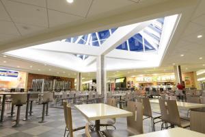 strathallen mall2